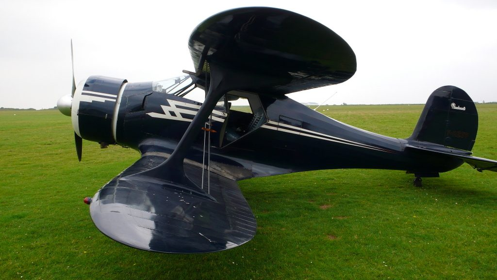 Le Beehcraft Staggerwing de Jean-Philippe Chivot .../...